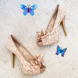 Chinese laundry lace fabric nude heels sz 9 pump